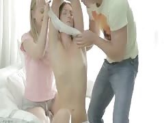 Man Fuck 2 Beauty Teens Pussy and Anal