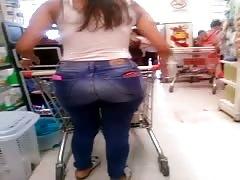 Fantastic Bubble Butt on Argentinian Supermarket